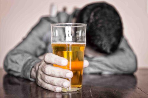 Как выявить алкоголизм - фото